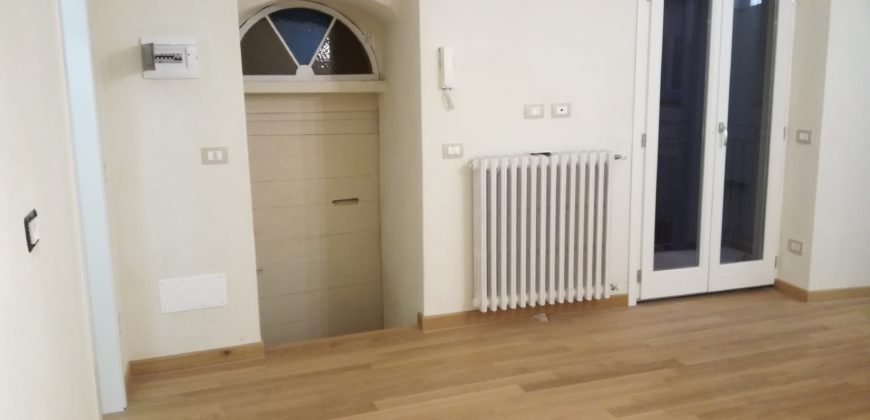 Finely restored three-room apartment
