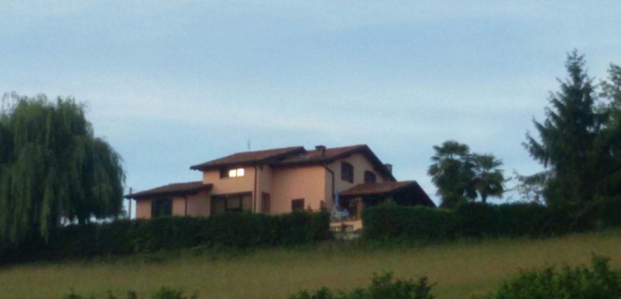 INDIPENDENT VILLA IN A PANORAMIC POSITION