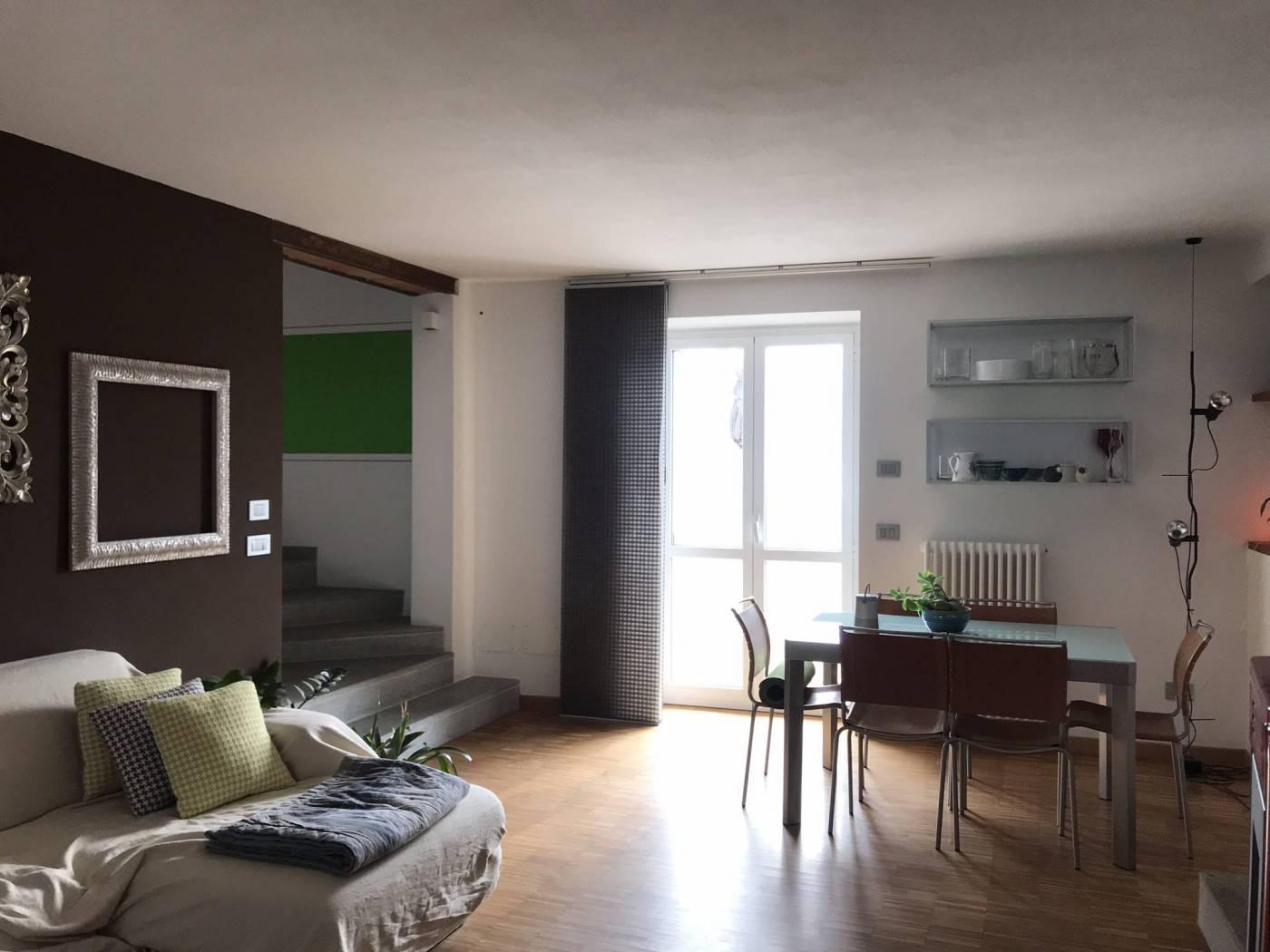 San Michele Mondovì vende appartamento in casa cielo a terra completamente ristrutturata