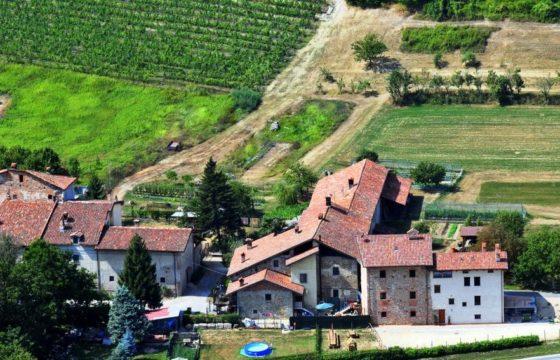IMMOBILE AGRITURISMO CON POSSIBILITA' ABITAZIONE