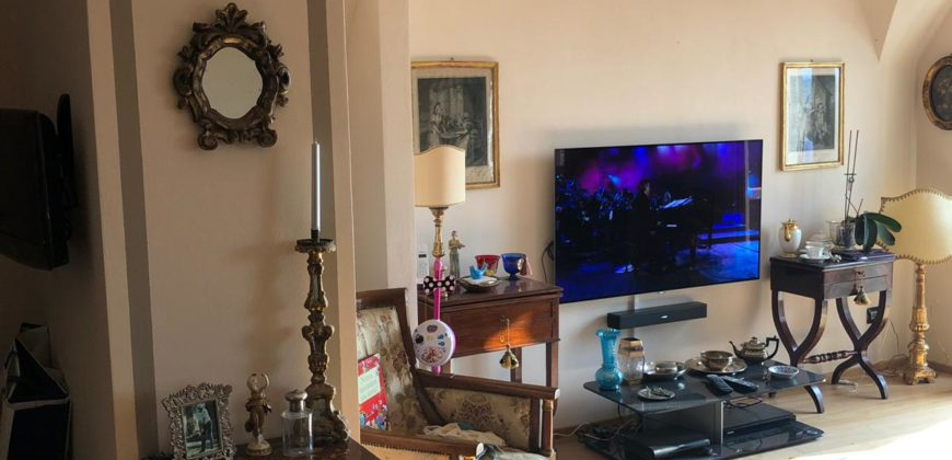 MONDOVI' PIAZZA SEELS RENOVATED APARTMENT