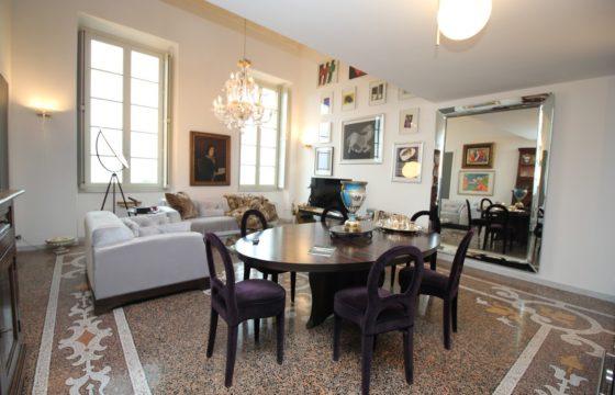 Appartamento in Villa Storica