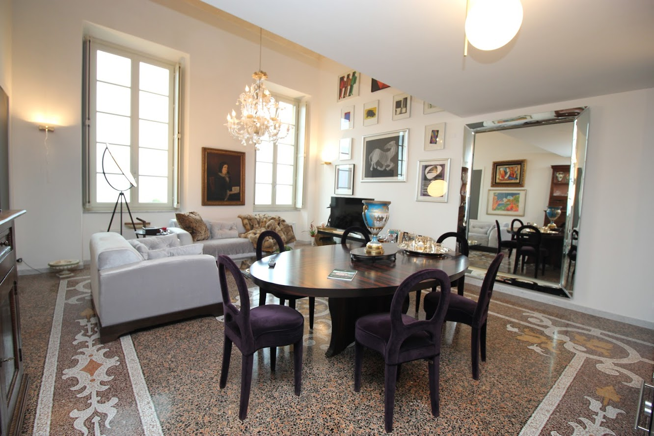 Apartment in a historical villa