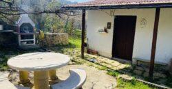 Casa indipendente libera su tre lati con giardino