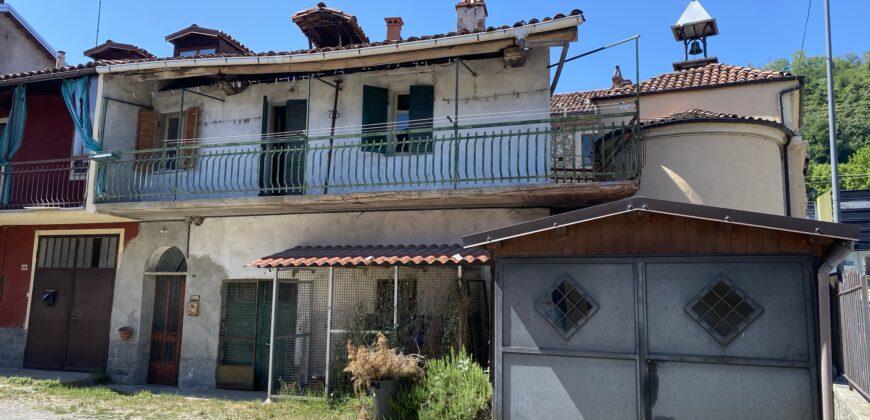 Casa libera su tre lati da ristrutturare